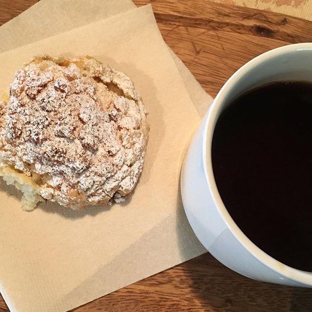 上手にコーヒーも淹れられるようになったし。着実に中年体型まっしぐら┌|≧∇≦|┘└|≧∇≦|┐┌|≧∇≦|┘#シュークリーム #snapmart