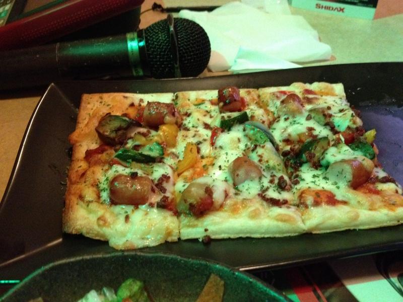 ミックスピザも半額!!