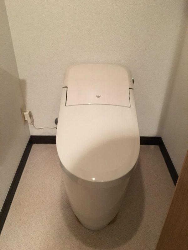タンクレスの新品トイレ