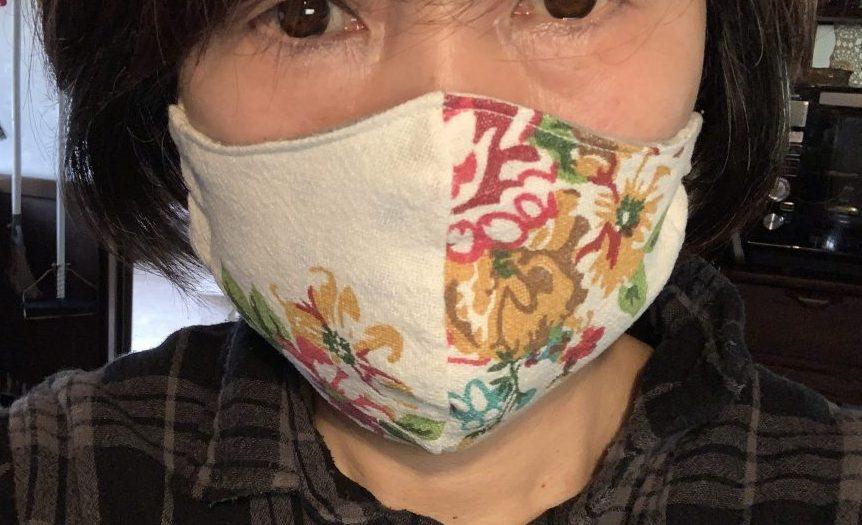 セリアの花柄布巾でリバーシブルマスク