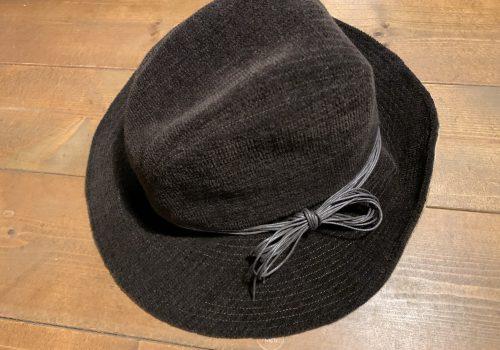 ツバが大きな女優帽子