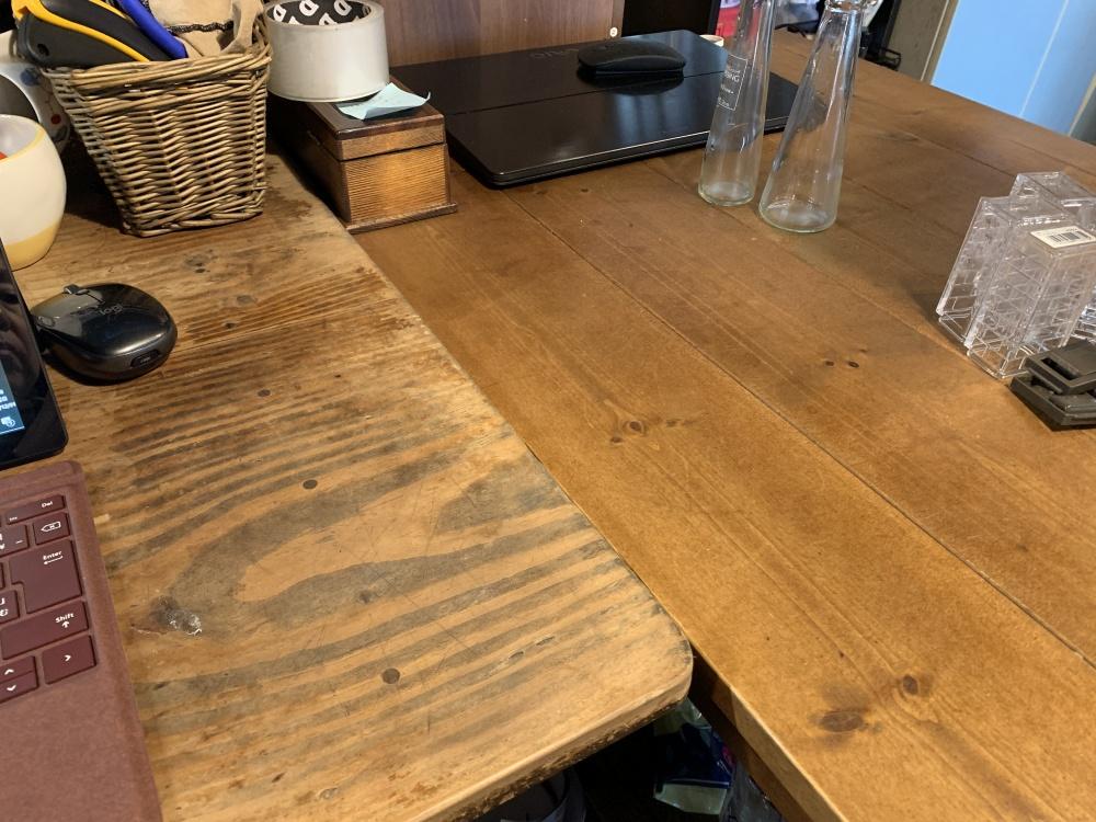 L字にした作業テーブル