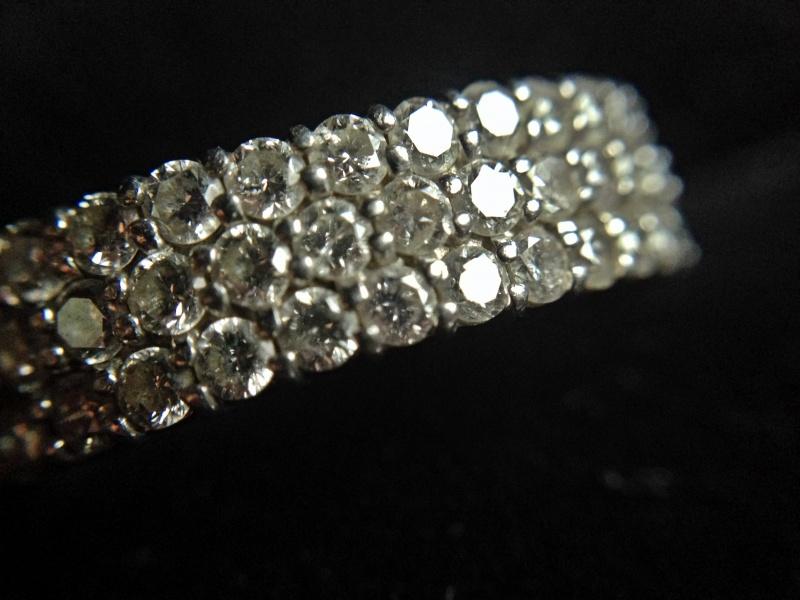 マクロレンズで撮影した指輪