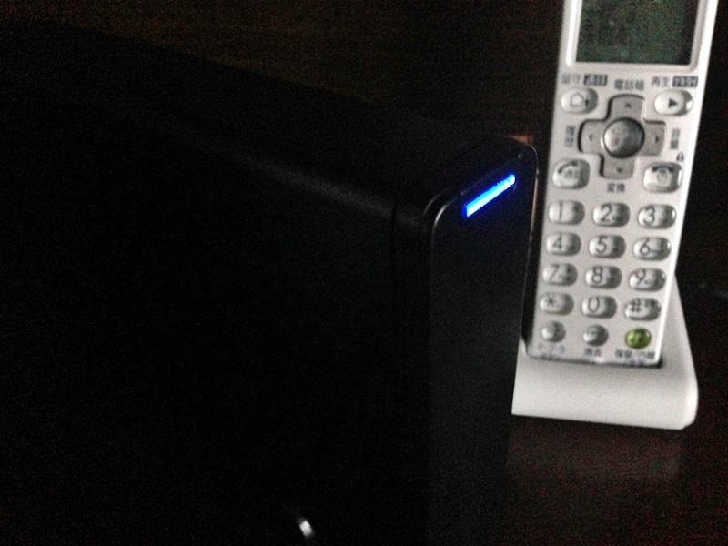 フォーマット完了して使用量が25%未満のブルーのランプ