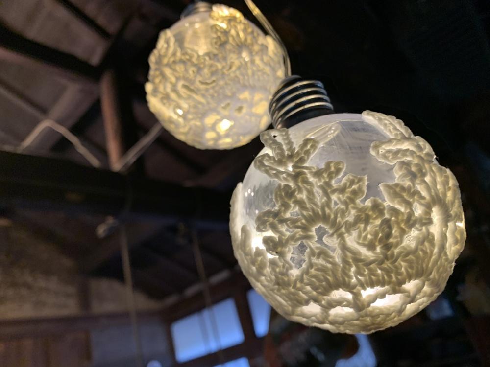 雪の結晶モチーフのLEDライト
