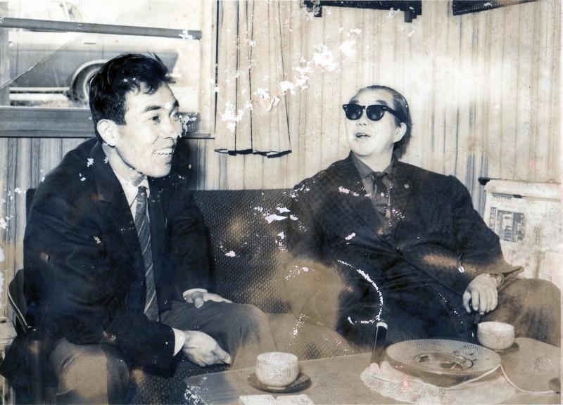 若かりし日の父のボロボロアナログ写真